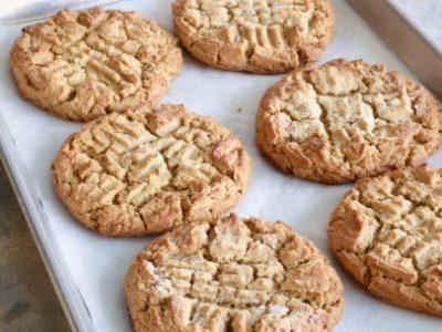 rf0204h_peanut-butter-cookies_s4x3-jpg-rend-sni12col-landscape